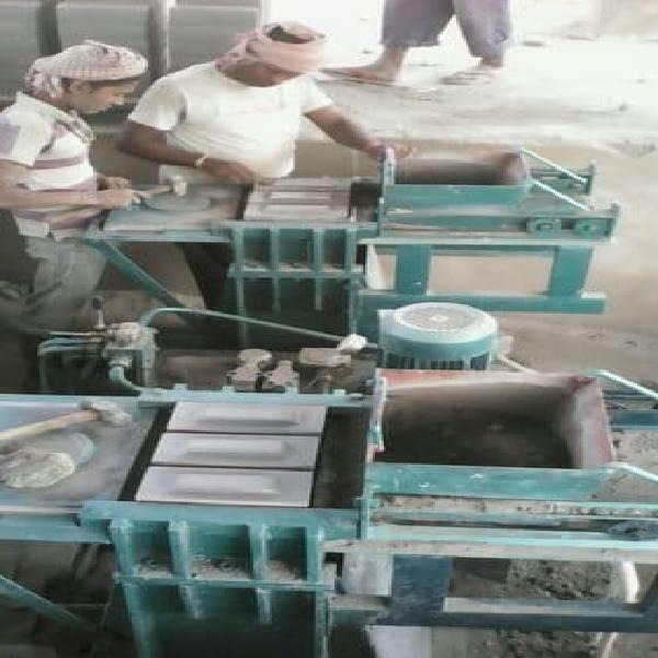 Semi automatic 6 Cavity flyash brick making machine