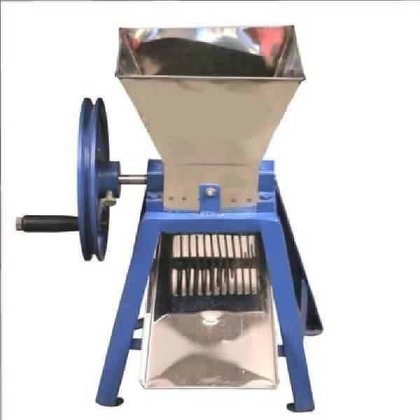 Hand chily cutter