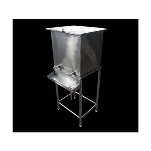 Stainless Steel Water Tank, Storage Capacity: 500L