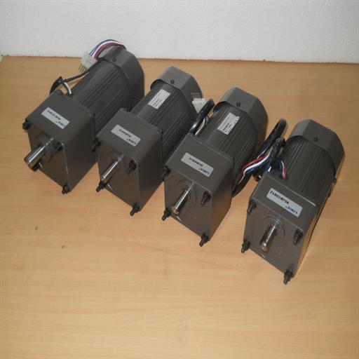 1-3 Phase 90 W AC Geared Motor, Voltage: 110-380 V, 60 Rpm